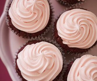 Cupcake aus Schokolade und Rotwein