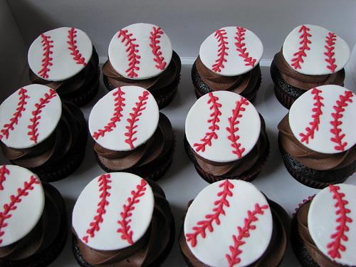 Baseball-Cupcake