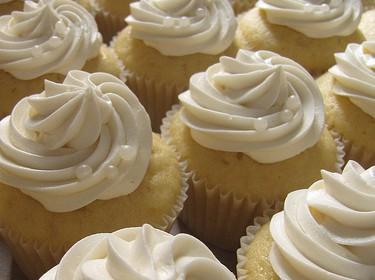 Cupcake mit Honig und Zitrone